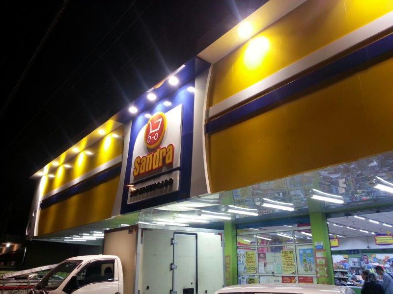 Fachada para supermercado